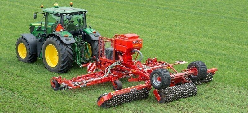 Grass Profi graszaad zaaimachine in getrokken uitvoering met hydraulisch aangedreven zaaimachine